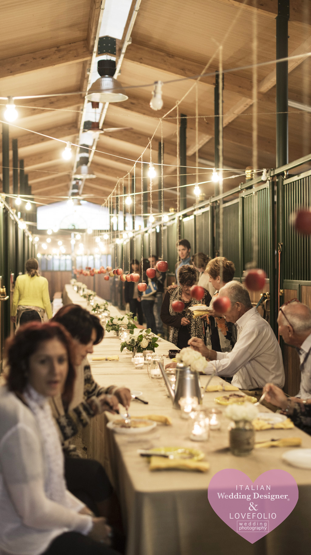 Wedding Party at the Stable, country style wedding in Italy