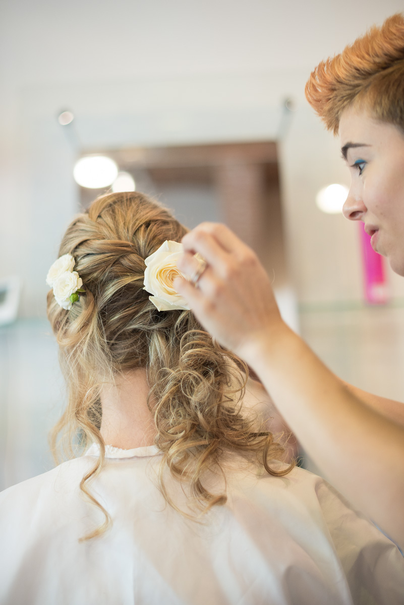 Hairdresser, country chic wedding in Italy