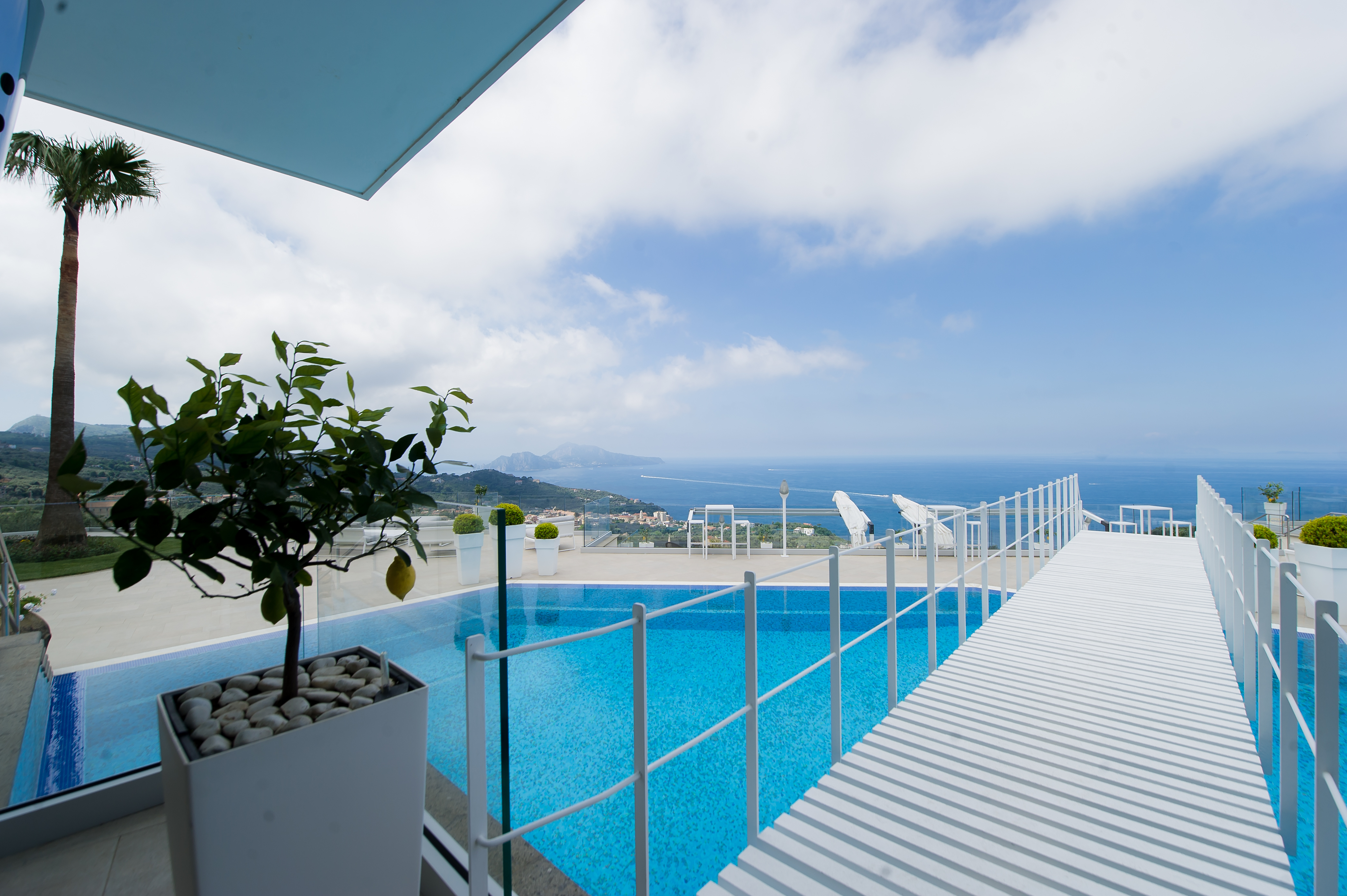 Villa Sorrento with swimming pool