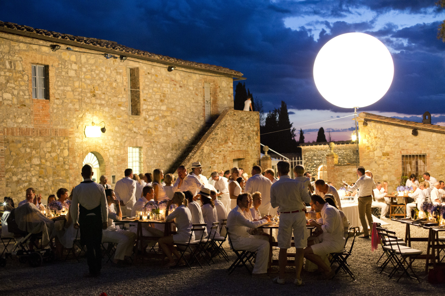 White Dress code event, Rustic italian dinner, destination wedding in Tuscany