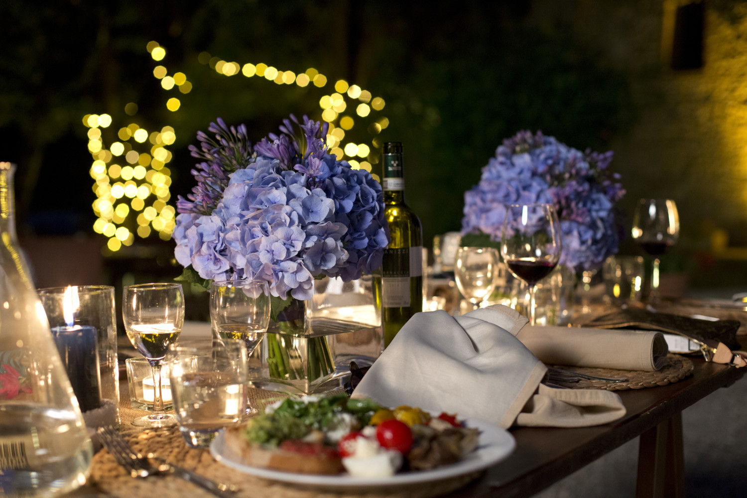 Rustic dinner in the tuscan countryside, destination wedding in Tuscany