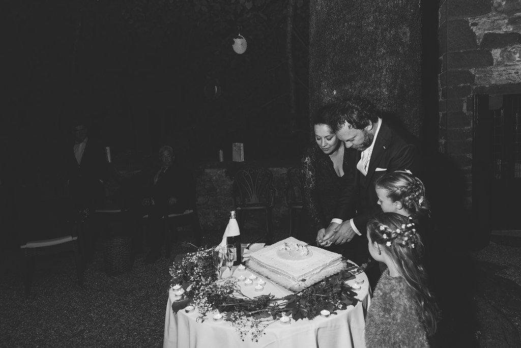 Italian Wedding Cake - Tuscany