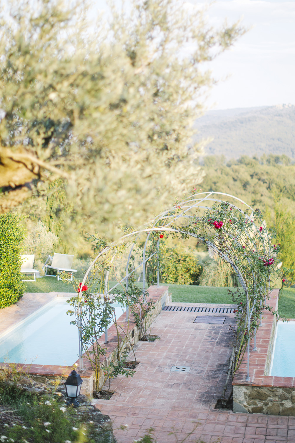 Aisle of flowers, Wedding in a Farmhouse in Tuscany