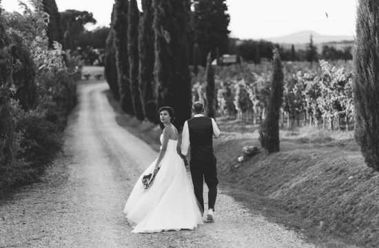 Wedding in Val d'Orcia - Tuscany - B&W couple portrait