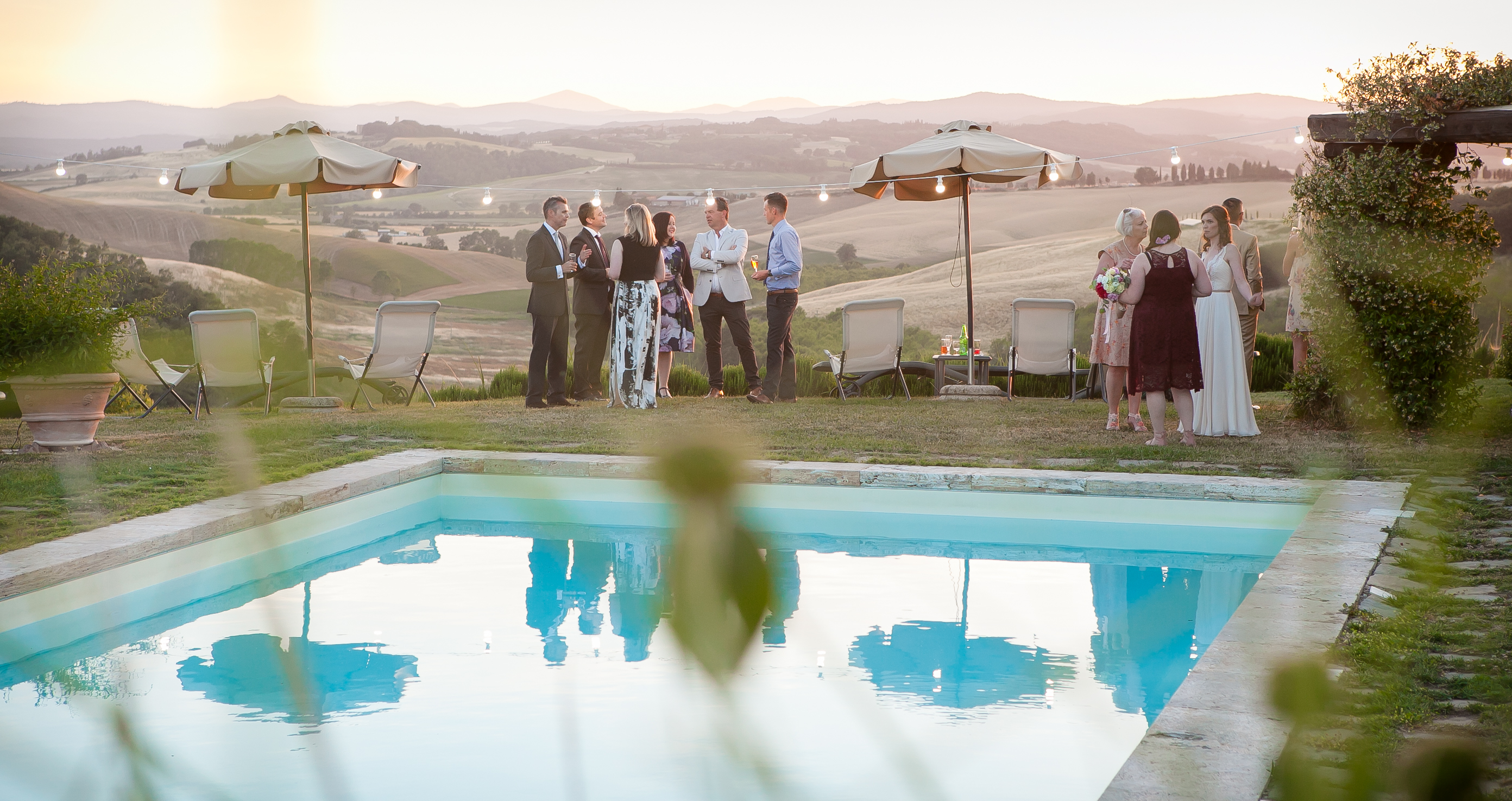 Cocktail time - Countryside Wedding in Tuscany