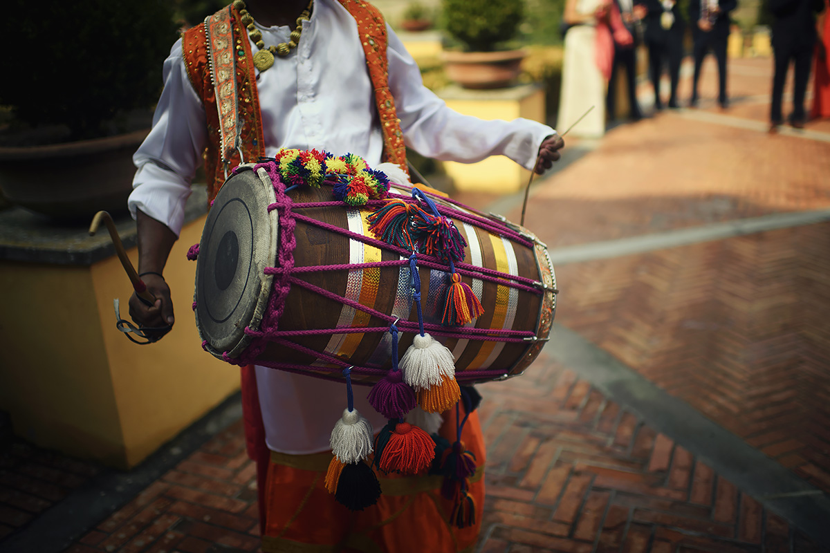 Dhol Player - Indian Wedding in Italy - Italian Wedding Designer