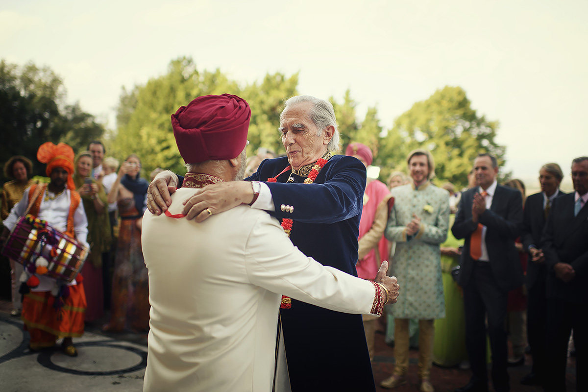 Exchange of garlands - Sikh wedding - Italian Wedding Designer