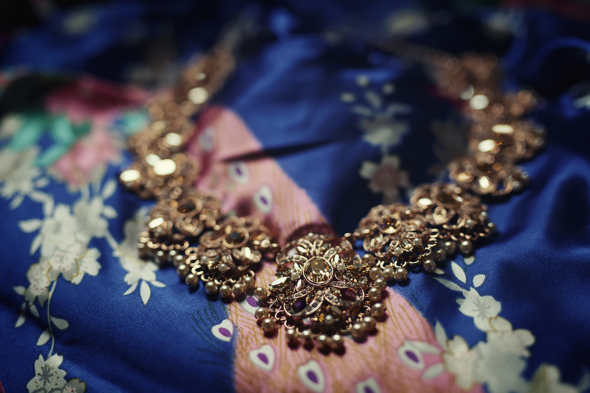 Detail on necklace, sikh wedding in Italy