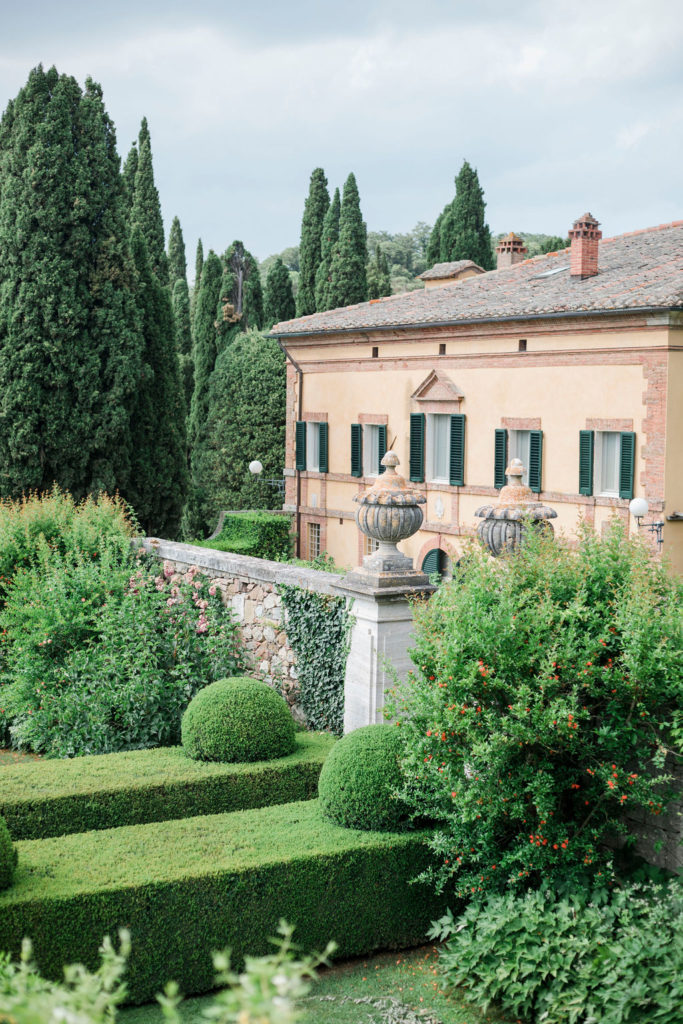 17th Century Villa - Wedding at Villa La Foce - Italian Wedding Designer