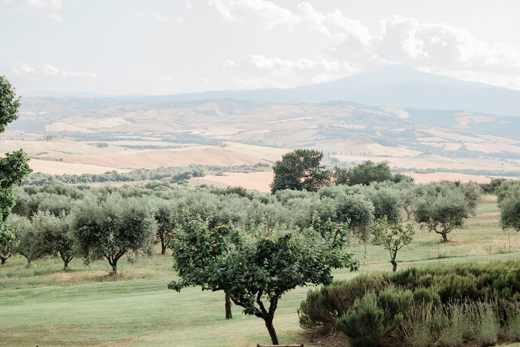 Val d'Orcia - Chinese Tea Ceremony in Italy- Italian Wedding Designer
