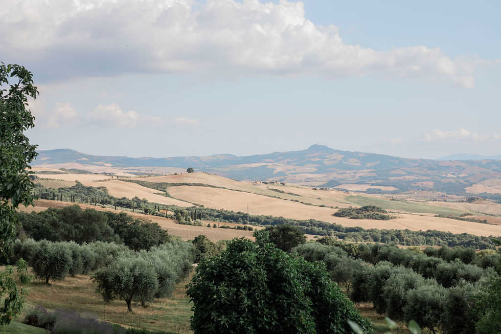 Tuscan landscape - Chinese Tea Ceremony in Italy- Italian Wedding Designer