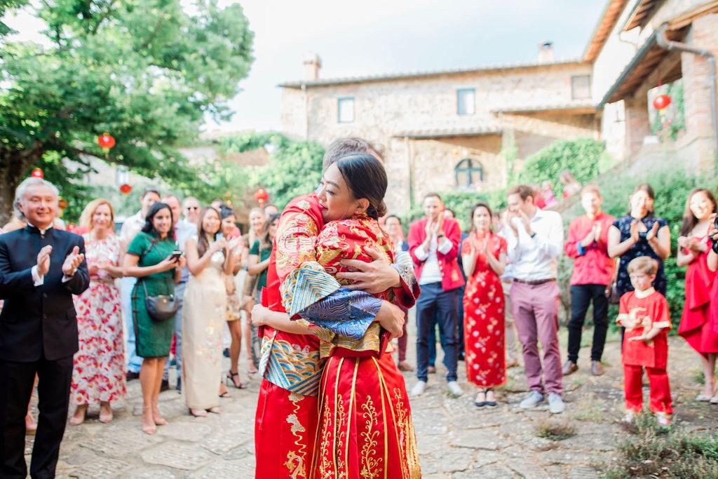 couple's portrait - Chinese Tea Ceremony in Italy- Italian Wedding Designer