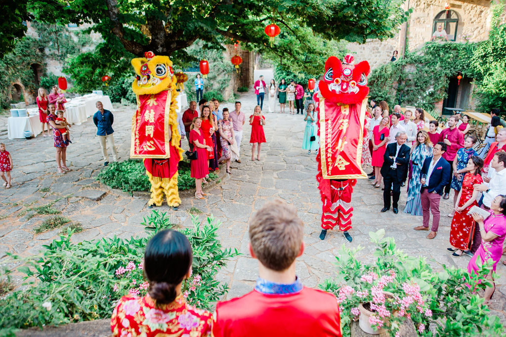 Lion Dancers blessing - Chinese Tea Ceremony in Italy- Italian Wedding Designer