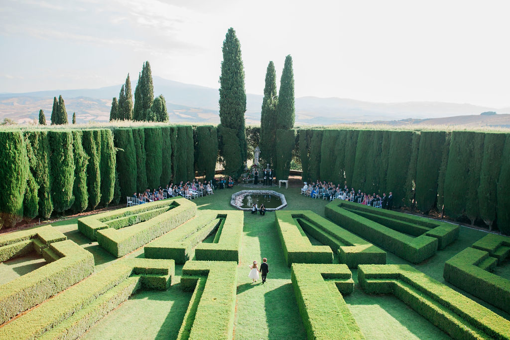 Ceremony at La Foce - Wedding at Villa La Foce - Italian Wedding Designer