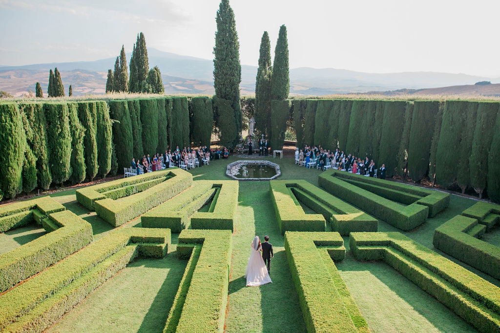 Ceremony in the Italian Garden - Wedding at Villa La Foce - Italian Wedding Designer