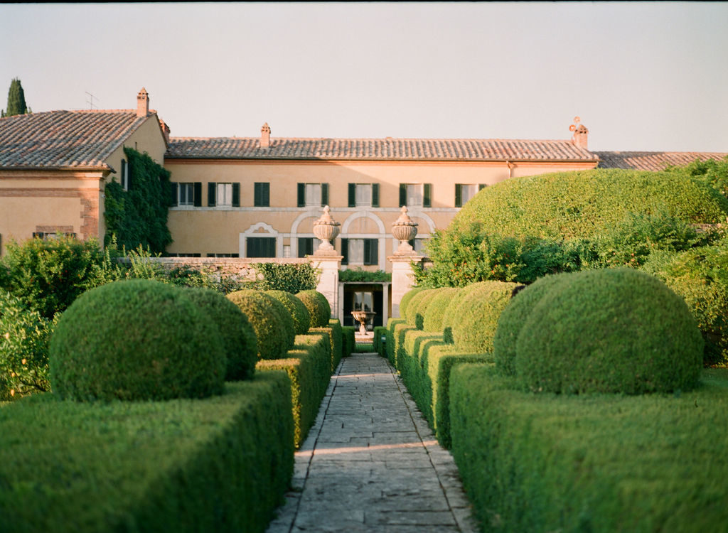 Wedding at Villa La Foce - Italian Wedding Designer