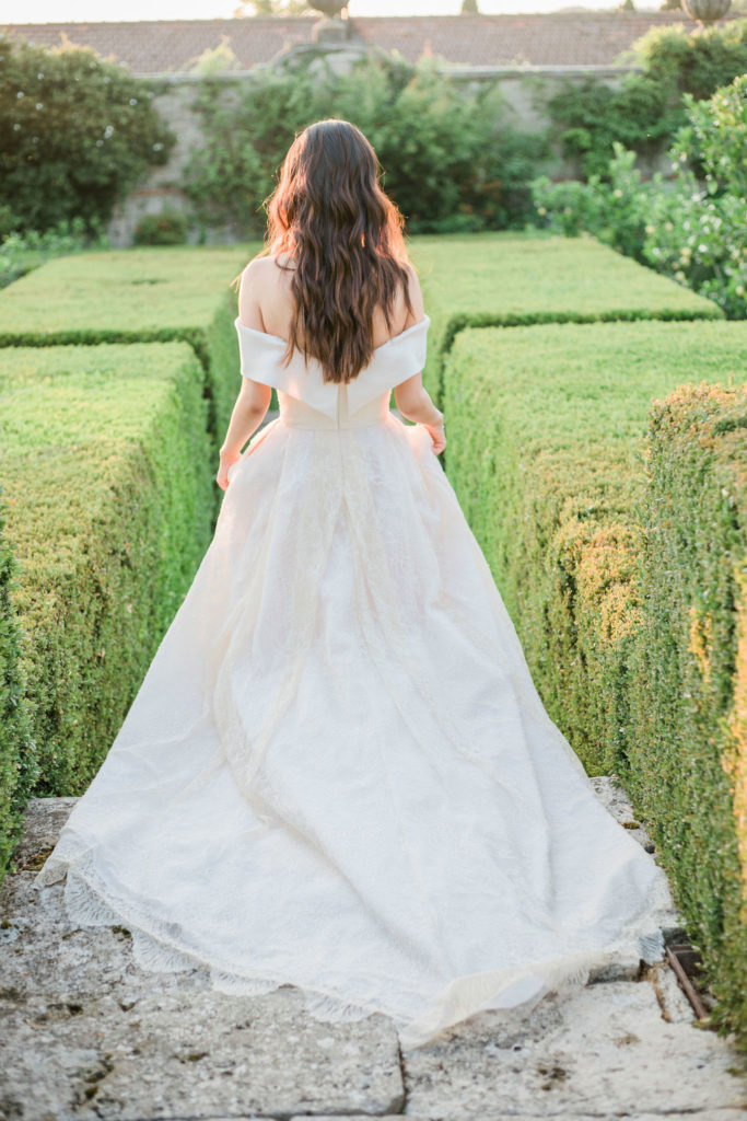 Bride in the Garden- Wedding at Villa La Foce - Italian Wedding Designer