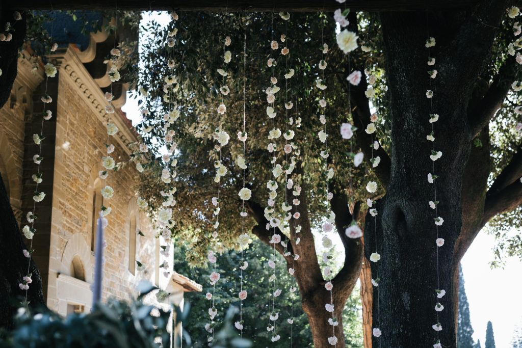 Hanging flowers for Ceremony - Wedding at Villa Le Fontanelle - Italian Wedding Designer