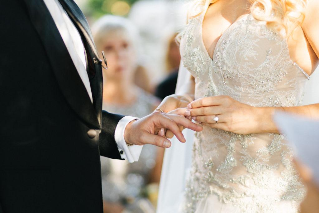 Exchange of rings - Wedding at Villa Le Fontanelle - Italian Wedding Designer