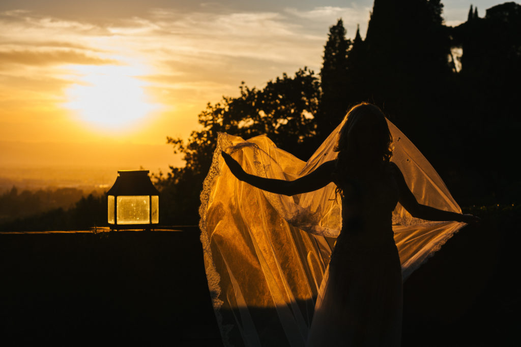 Bride at sunset time - Italian Wedding Designer - Wedding at Villa Le Fontanelle