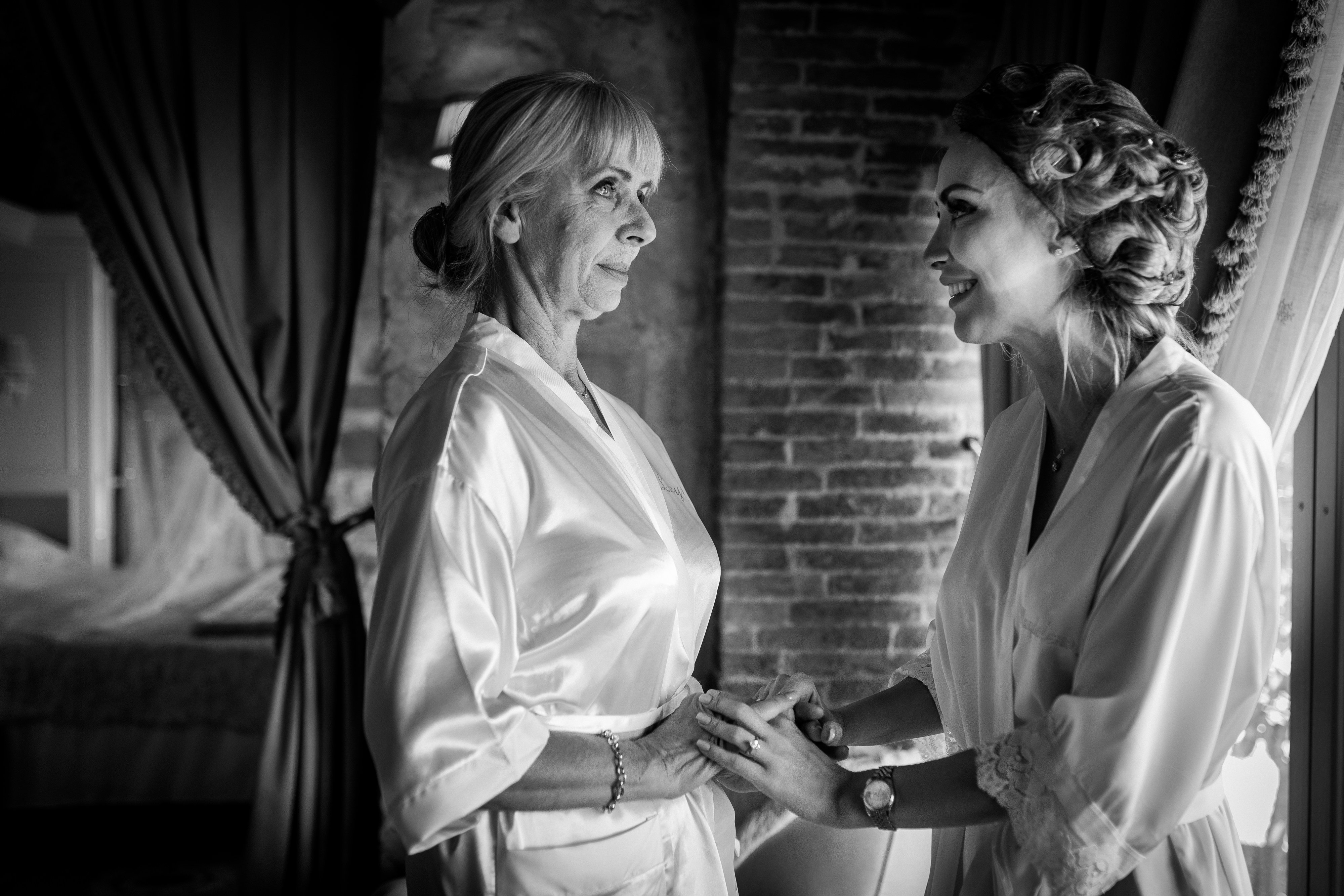 Bride and her mum - Wedding at Villa Le Fontanelle