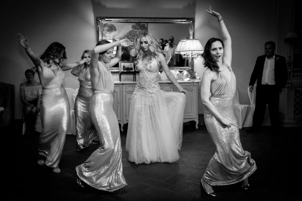 Bride & Bridesmaids choreography - Italian Wedding Designer - Wedding at Villa Le Fontanelle