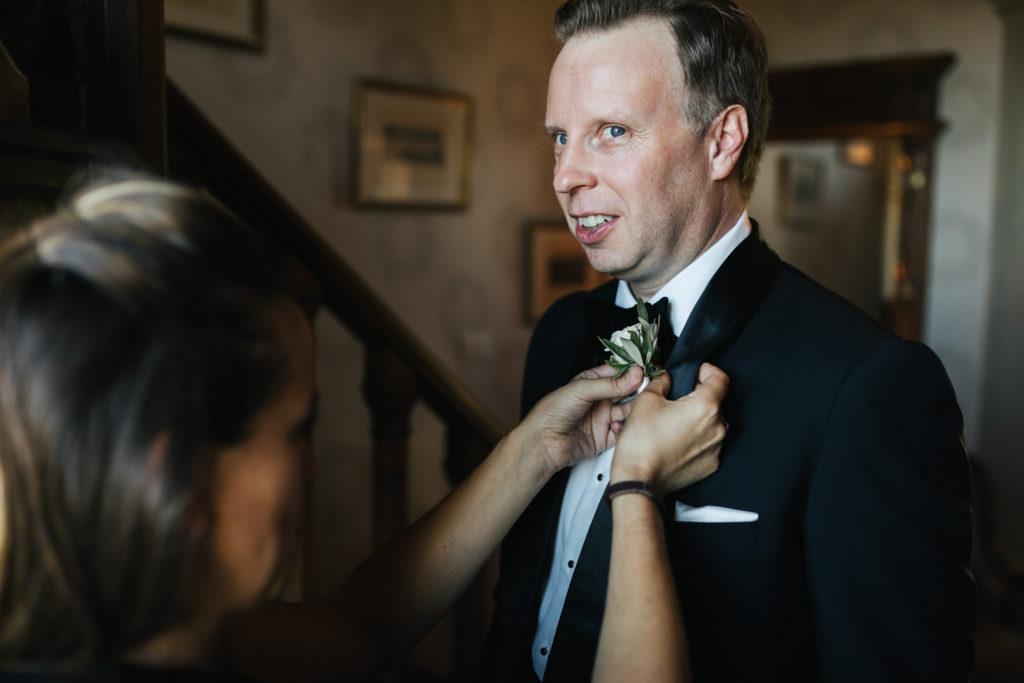 Groom getting ready - Wedding at Villa Le Fontanelle - Italian Wedding Designer