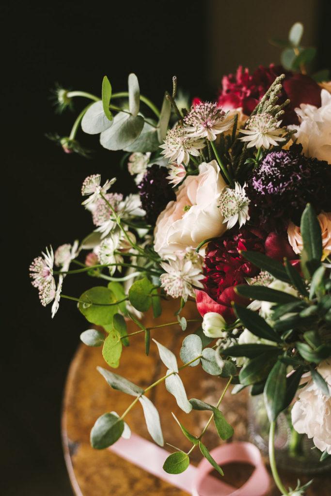 Flower details Manolo Blahnik shoes - Wedding at Villa La Selva - Italian Wedding Designer