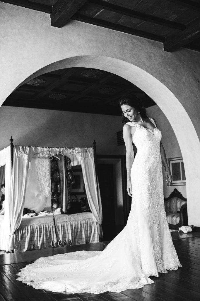 Bride portrait Manolo Blahnik shoes - Wedding at Villa La Selva - Italian Wedding Designer