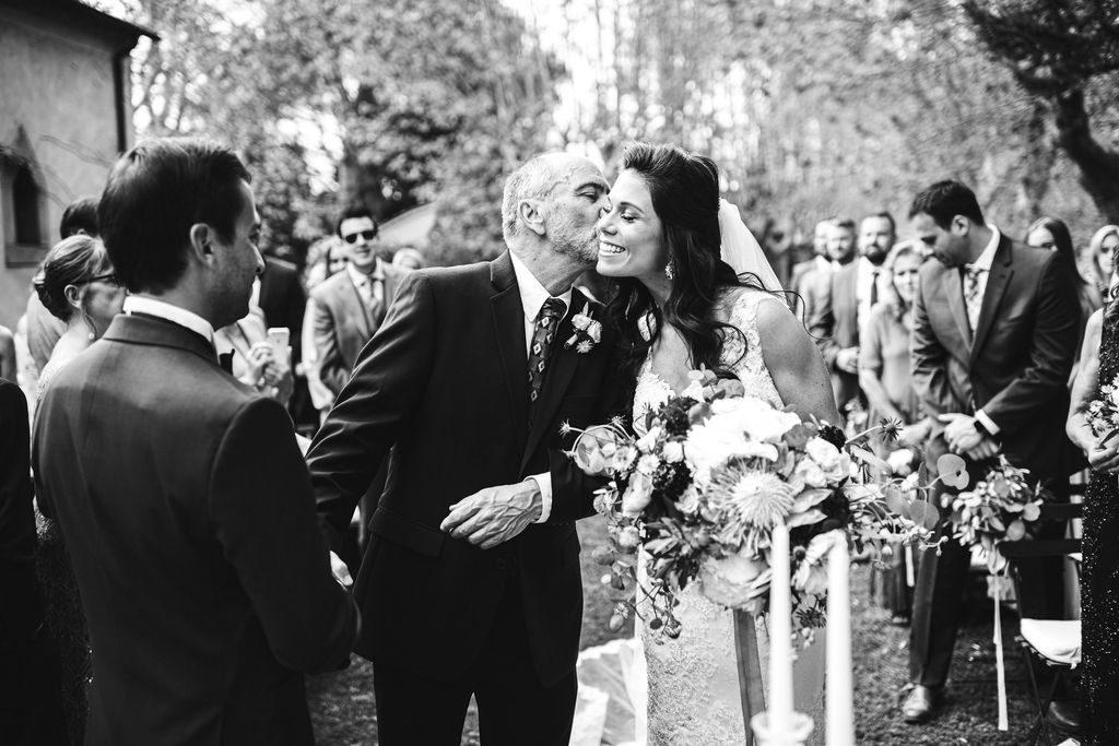 Dad Kiss - Wedding at Villa La Selva - Italian Wedding Designer