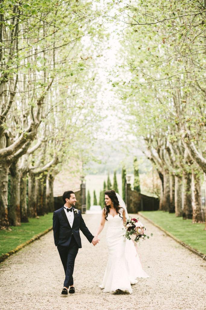 Couple in the countryside - Wedding at Villa La Selva - Italian Wedding Designer