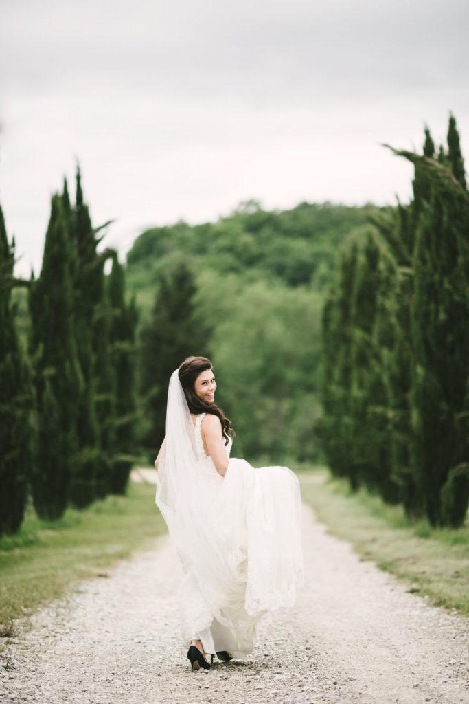 bride in the Countryside - Wedding at Villa La Selva - Italian Wedding Designer