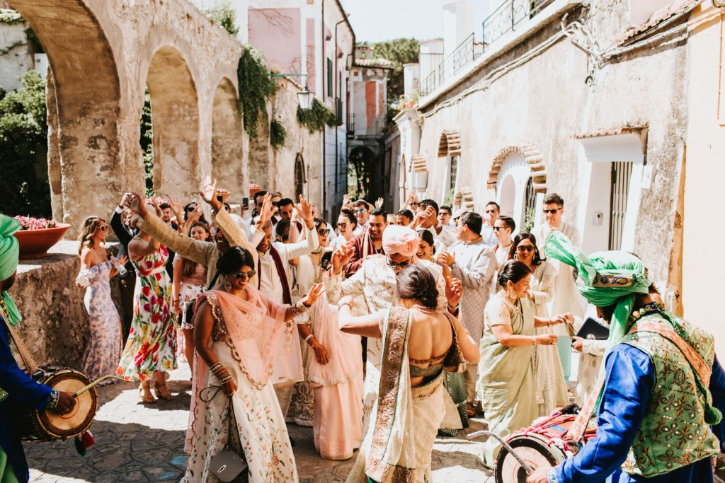 Baraat - Hindu wedding at Hotel Caruso in Ravello - Italian Wedding Designer