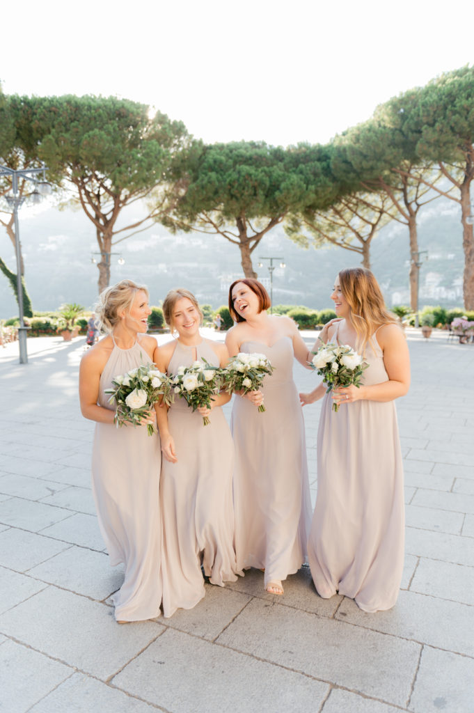 Bridesmaids going at Villa Eva - Destination Wedding in Ravello - Italian Wedding Designer