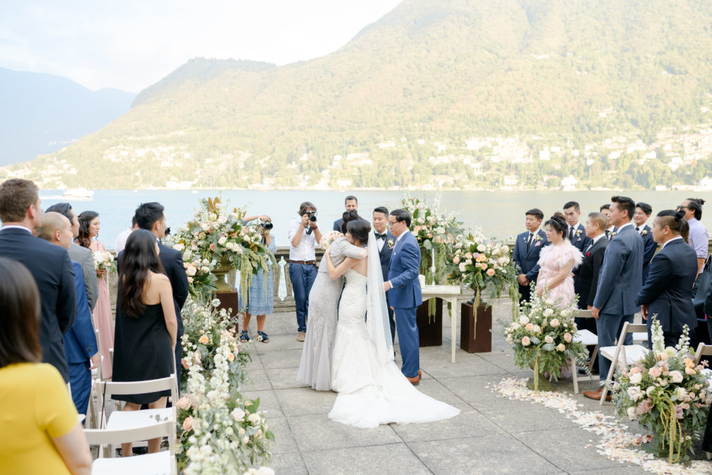 Ceremony in the terrace at Villa Pizzo Stunning wedding at Villa Pizzo - Italian Wedding Designer