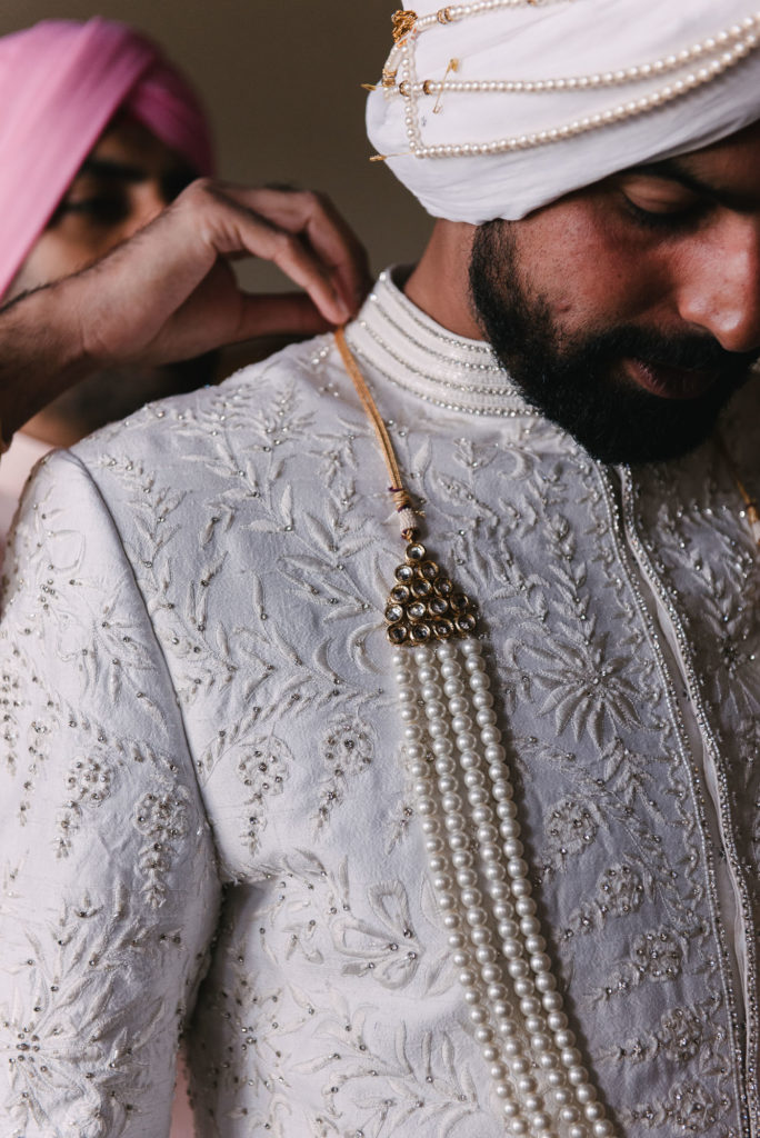 Groom Indian outfit - Indian Wedding in Tuscany - Italian Wedding Designer