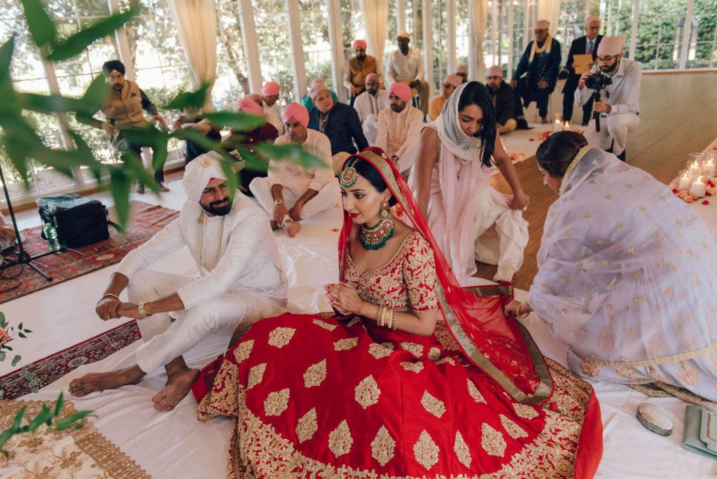Indoor Sikh ceremony in Italy - Indian Wedding in Tuscany - Italian Wedding Designer