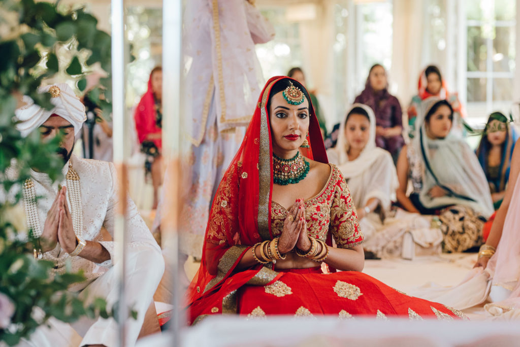 Sikh Bride portrait by Lovefolio Photography - Indian Wedding in Tuscany - Italian Wedding Designer