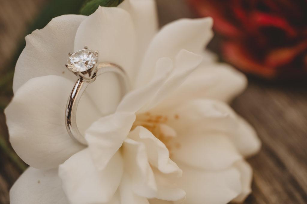 Engagement ring - Wedding at Borgo Petrognano - Italian Wedding Designer