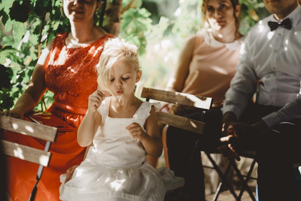 Flowers girl - Wedding at Borgo Petrognano - Italian Wedding Designer