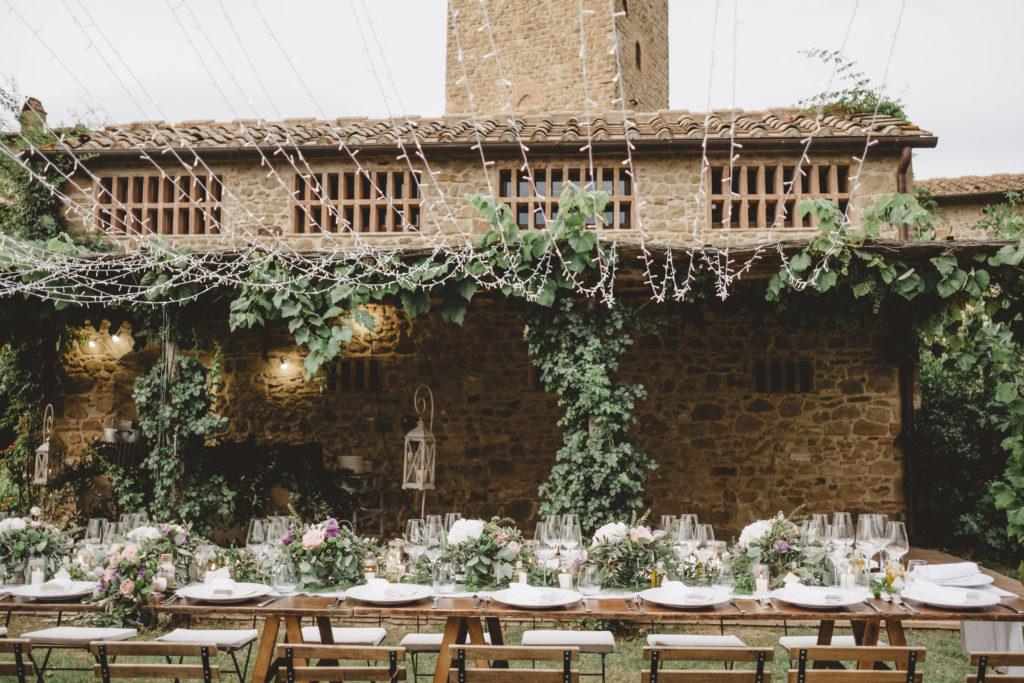Country chic setting - Wedding at Borgo Petrognano - Italian Wedding Designer