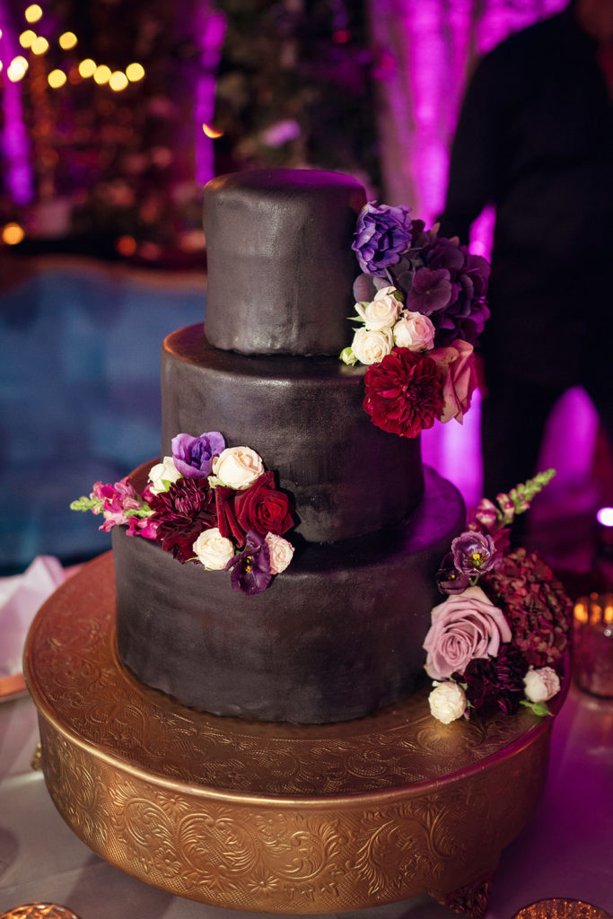 Black Wedding Cake - Wedding at Villa Cimbrone - Italian Wedding Designer