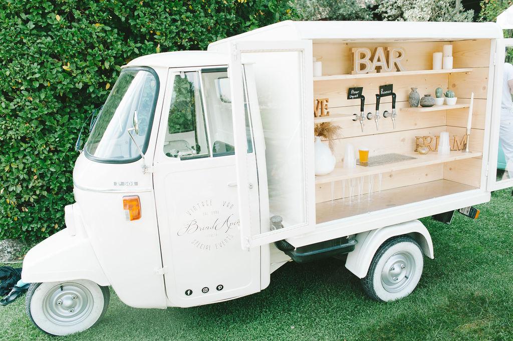 Ape Beer and Prosecco - Wedding at Villa Vignamaggio - Italian Wedding Designer