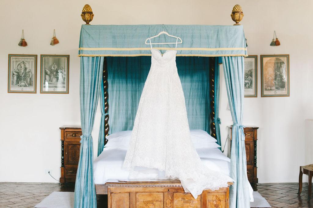 Oscar De La Rental bridal dress - Wedding at Villa Vignamaggio - Italian Wedding Designer