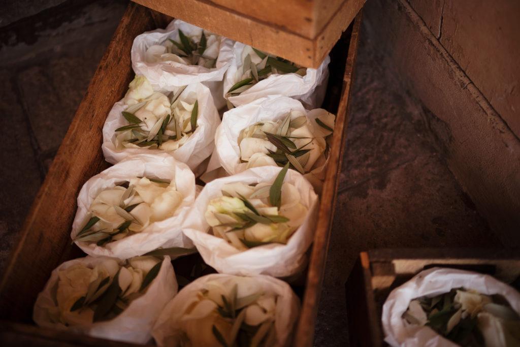 Confetti - Wedding at Castello di Castagneto - Italian Wedding Designer
