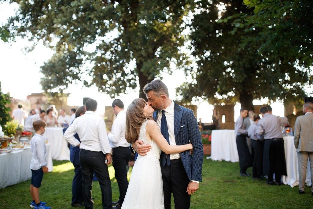 Couple - Wedding at Castello di Castagneto - Italian Wedding Designer