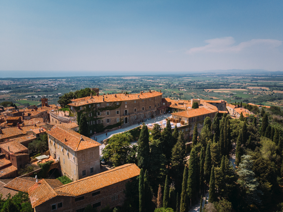 Castle - Wedding at Castello di Castagneto - Italian Wedding Designer