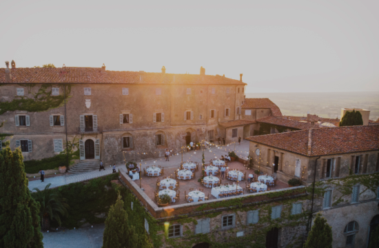 Best Dinner set up - Wedding at Castello di Castagneto - Italian Wedding Designer