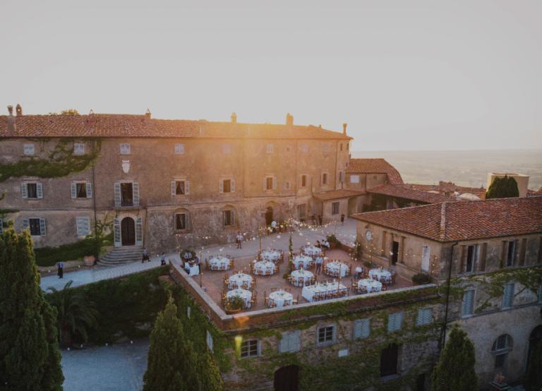 Best Dinner set up - Wedding at Castello di Castagneto - Italian Wedding Designer