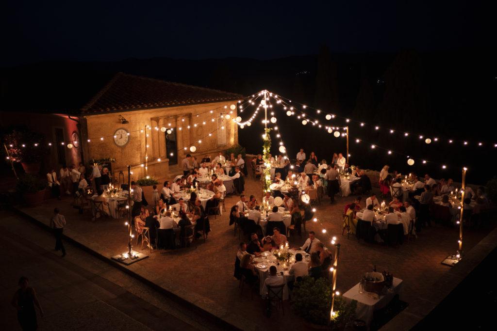 Dinner outdoor - Wedding at Castello di Castagneto - Italian Wedding Designer